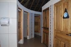 ruinsbathroom