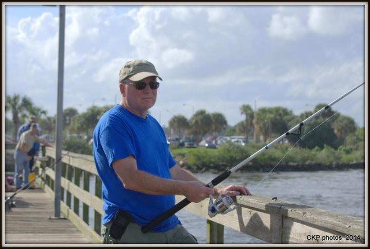 Pelican antics and fishing 071.NEF